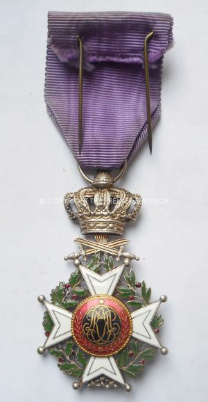 BELGIUM ORDER OF LEOPOLD KNIGHTS CROSS MILITARY DIVISION.(FRENCH TYPE).