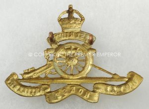 BRITISH WEST RIDING ROYAL HORSE ARTILLERY CAP BADGE.