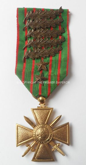 FRANCE.OFFICERS CROIX DE GUERRE 1914-1917 IN GILT WITH 5 PALMS & 2 BRONZE STARS.