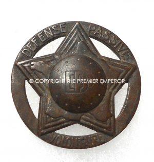 """France."""" D.P."""" Defense Passive Voluntaire insignia."""