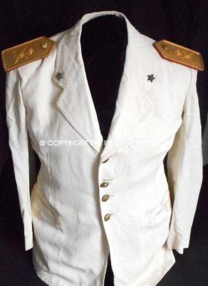 012973367f3 Italy. Italian Army Officer s 2nd Lieutenant Motorised Infantry summer  whites tunic.