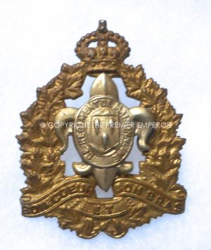 Canada: Le Regiment Maisoneuve, Other Ranks all brass cap badge. Circa.1935-39 (No Buckle).